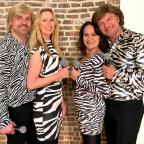 De foto van de lookalike en imitator van  ABBA