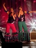 Een foto van Claire en Marjolein als Disco Chicks