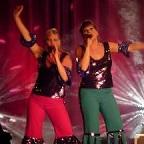 De foto van: Claire en Marjolein als Disco Chicks