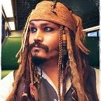 Een foto van de lookalike en imitator van Jack Sparrow