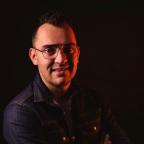 De foto van de lookalike en imitator van  Jan Smit (14)