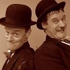 De foto van de lookalike en imitator van  Laurel and Hardy (132)