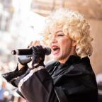 De foto van de lookalike en imitator van  Madonna