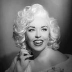 De foto van de lookalike en imitator van  Marilyn Monroe (164)