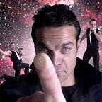 De foto van de lookalike en imitator van  Robbie Williams (23)