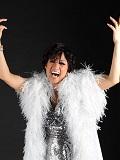 Een foto van de lookalike en imitator van Shirley Bassey