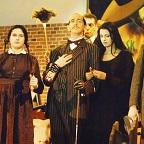 De foto van de lookalike en imitator van  The Adams Family